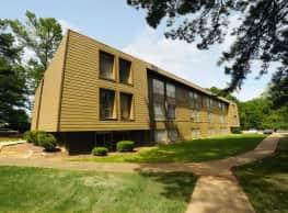 Summer Trace Apartments - Memphis