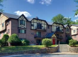 Royal Crest Estates Apartments - Nashua
