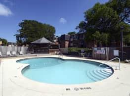Evergreen Manor - Saint Louis