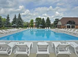 Shannon Manor Townhomes & Charter Oaks Apartments - Davison