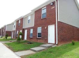 Highland Park Apartments - Clarksville