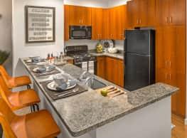 Bradlee Danvers Apartment Homes - Danvers