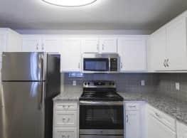 Lincoln Parc Apartments - Eden Prairie