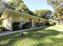 Village West Apartments - Gainesville