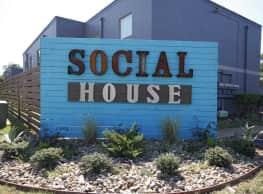 Social House - Nacogdoches