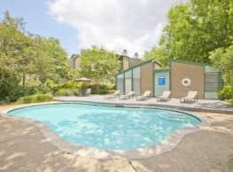 Sawmill Creek Apartments - River Ridge