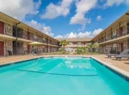 Spring Shadows Apartments - Houston
