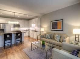 Uptown La Grange Apartments - La Grange