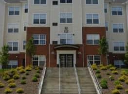 University Courtyard Youngstown - Youngstown