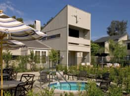 Mariner Square - Newport Beach