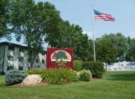 The Oaks of Lakeville - Lakeville