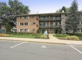 Pinewood Plaza - Fairfax