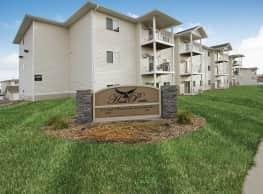Hawk Pointe Apartments - Bismarck