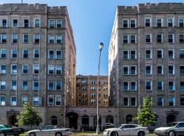 Washington Plaza- Pangea Real Estate - Chicago