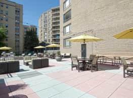 Ellicott House Apartments - Washington