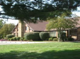 Summit Pointe Apartments - Bloomington