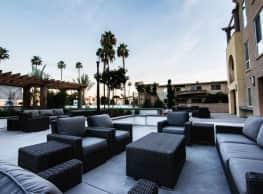 White Magnolia - Luxury 2 Bedroom Apartments - Encino