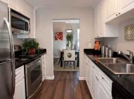 Nantucket Apartments - Santa Clara