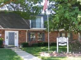 Foxboro Arms Community - Vandalia