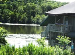 Lakeshore Villa Apartments - Port Ewen