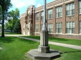 Alcott Manor - Grand Forks