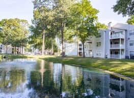 Luna Pointe Apartments - Hampton