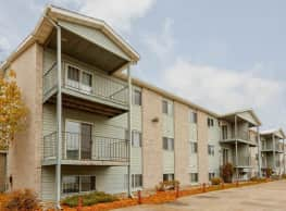 Greystone Manor Apartments - Fargo