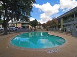 Elm Creek Apartments - San Antonio