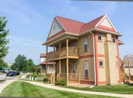 MeadowCreek Luxury Apartments - Bloomington