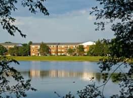 Lakehaven Apartments - Carol Stream