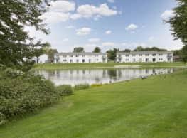 Mallard Lake Apartments - Plymouth