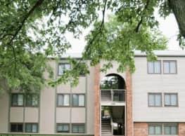 Landmark Village Apartments - Fairborn