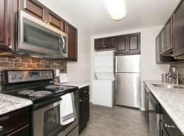 Skylark Pointe Apartment Homes - Parkville