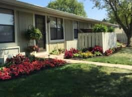 Roanoke Apartments - Louisville