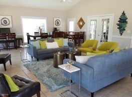 Crossgates Apartment Homes - Starkville