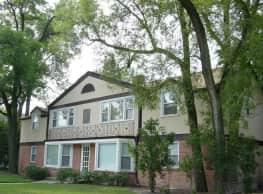 Braeside Apartments - Highland Park