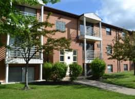 Deer Creek Apartments - North Royalton