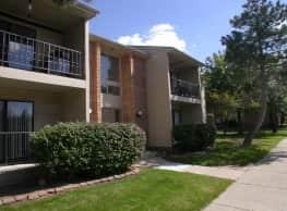 Bedford Square Apartments - Canton