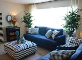 Roselake Apartments - Reno