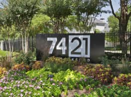 7421 on Frankford - Dallas