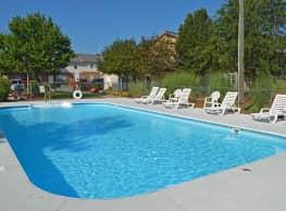 Seasons Apartments - Statesboro