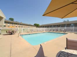 Wildwood Pool - Cedar Rapids