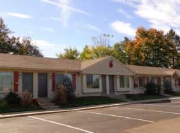 Davis Creek Apartments - Portage