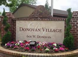Donovan Village Apartments - Houston