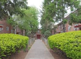 Rosehill Gardens - Elizabeth