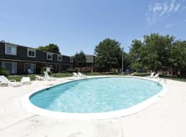 Village Park at Eastborough - Wichita