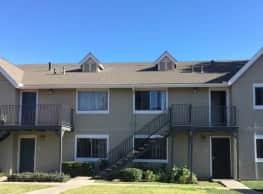 Lakehouse Apartment Homes - Lake Elsinore