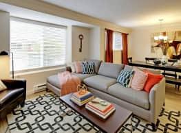 Hubbard's Crossing Townhome Apartments - Kirkland