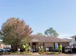 Yester Oaks Apartment Homes - Mobile
