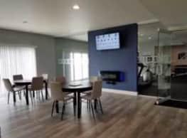 Bloomfield Square Apartments - Auburn Hills